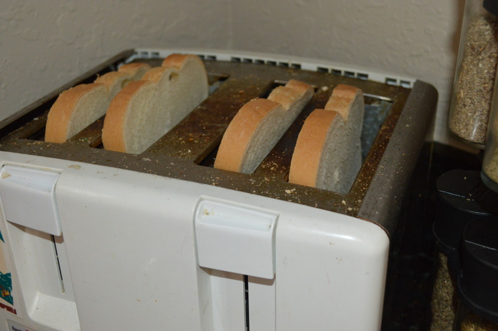 slice tosted bread